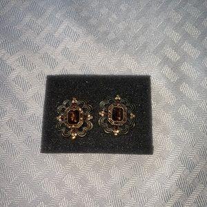 Beautiful vintage Avon earrings